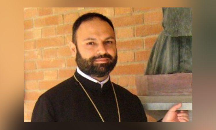 Մկրտությունը շոու չէ. Հայր Զաքարյան մեկնաբանում է, թե ինչու իսլամացված հայերը չեն մկտրվել Հայաստանում