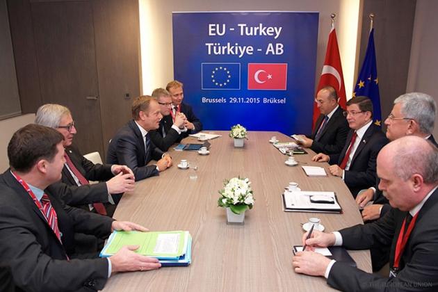 Еврокомиссия обвинила Турцию в поддержке Азербайджана в войне в Карабахе
