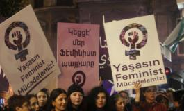 (Eastern Armenian) Չնայած ցուրտ եղանակին՝ կանայք մասնակցեցին բողոքի երթին