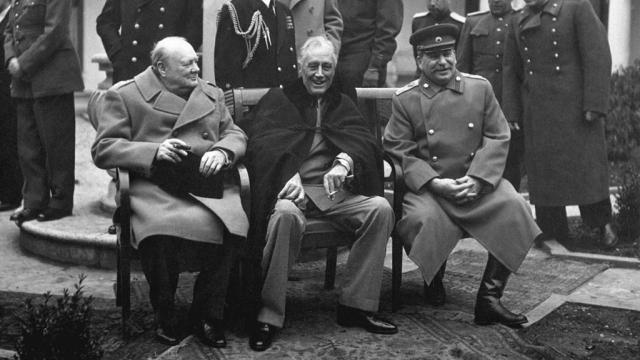 Лимонов о гитлеровской коалиции и экстремальной опасности для России