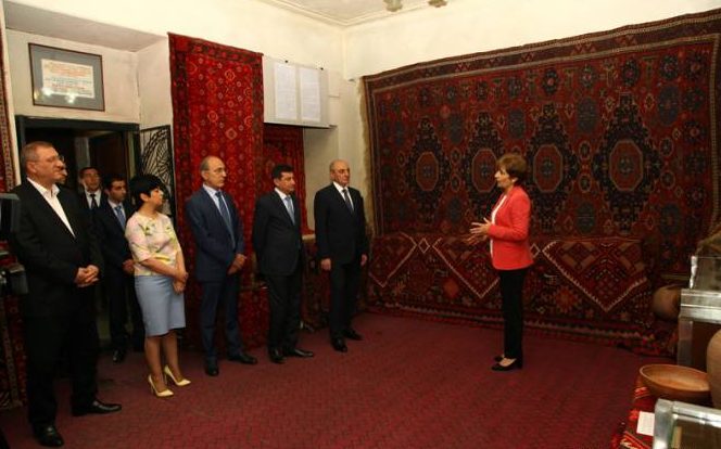 President Bako Sahakyan attends opening ceremony of exhibition of Artsakh carpets