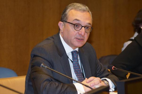 Во внешней политике Армении отношения с Россией имеют особое, ярко выраженное место: Зограб Мнацаканян