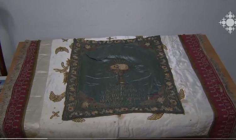 Կեսարիայի վանքերից փրկված երեք ծածկոց է նվիրաբերվել Մայր Աթոռի թանգարանային ֆոնդին