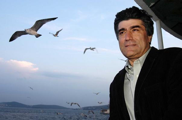 Հրանդ Դինքի սպաննութեան գործով երկու ամբաստանեալ ազատ արձակուած է դատարանի որոշմամբ