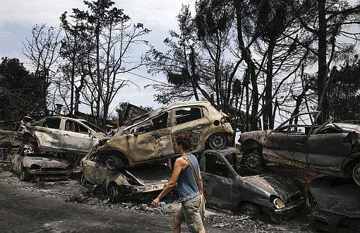 Yunanistan'da Ölü Sayısı 82'ye Yükseldi, Yüzlerce Kişi Kayıp
