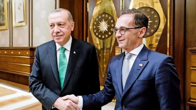Эрдоган обсудил с немецким МИД ситуацию в Идлибе