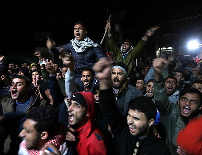Турецкие жители города Харберд ворвались в магазины сирийцев и потребовали покинуть город