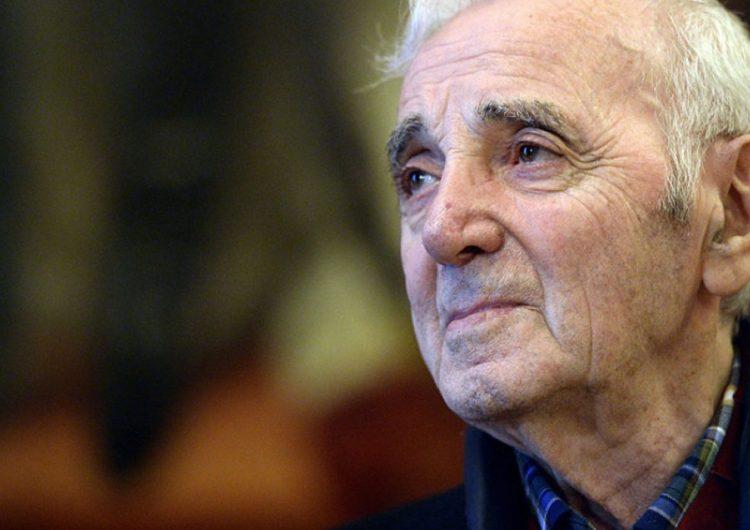 Франция проведет национальную прощальную церемонию в честь Азнавура