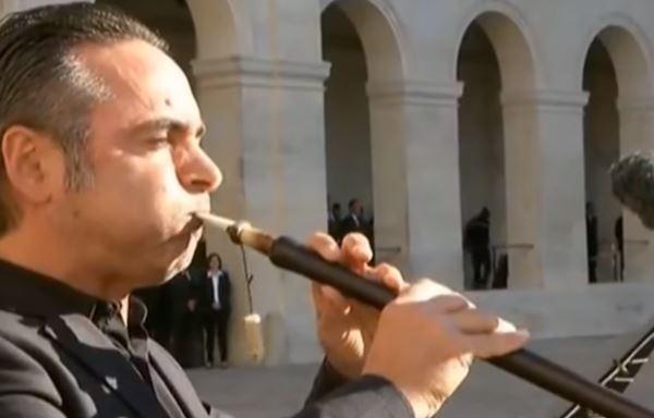 L'émouvant hommage national à Charles Aznavour aux Invalides