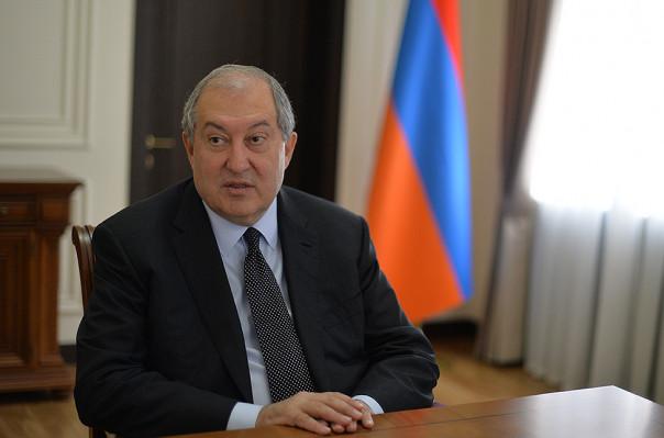 Президент Армении подписал указы об увольнении министров от двух партий
