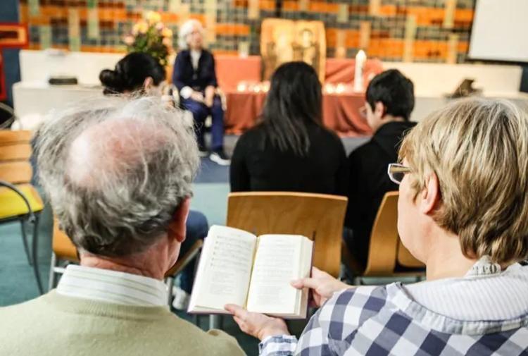В Нидерландах Церковь проводит бессрочную литургию для защиты армянской семьи беженцев
