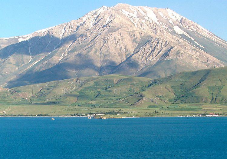 Արտոս լեռը