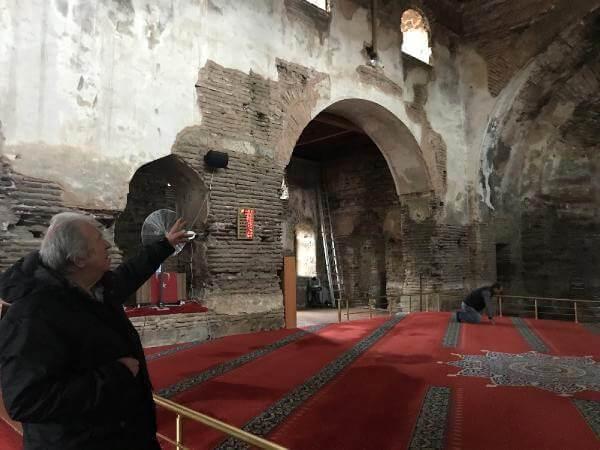 Իզնիկի` թանգարանի վերածուած Այա Սոֆիա եկեղեցին ողբալի վիճակի մէջ կը գտնուի