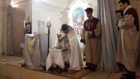 Ալեքսանդրետի հայերը տեղի հայկական եկեղեցիէն ներս մասնակցեր են Ճրագալոյցի արարողութեան