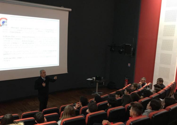 Президент Арменак Абрамян прочитал лекции во французских колледжах