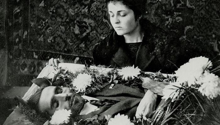 «1920-ի այս օրը հղի կնոջ հուսահատ հոգատարության մեջ աշխարհից հեռացավ Վահան Տերյանը». Սեյրան Գրիգորյան