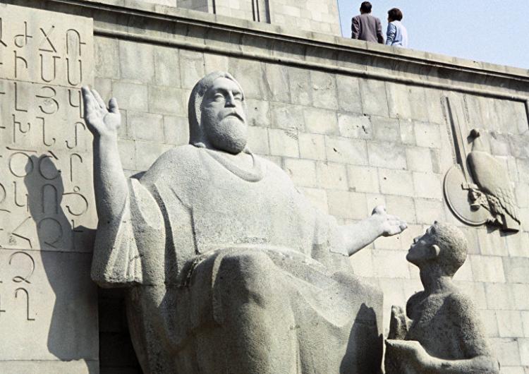 Մատենադարանի մասնագէտները կը վերականգնեն Միջին Արեւելքի մէջ վնասուած ձեռագիրները