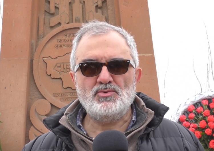 Ալեք Ենիգոմշյեանը ,զինակցի ՝ Մկրտիչ Կազանչեանի մասին