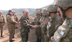 Президент Саакян осмотрел воинские части и линию фронта
