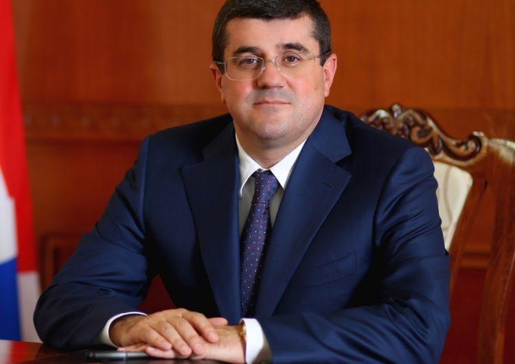 Араик Арутюнян освобожден от должности советника президента Карабаха