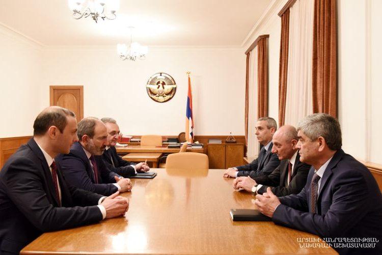 Никол Пашинян провел в Степанакерте встречу с Бако Саакяном