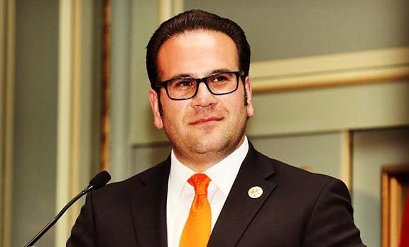 Cek Hacinyan ABD Montebello'nun belediye başkanı seçildi