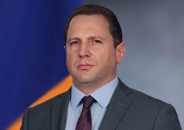 Министр обороны рассказал, как армянские миротворцы оказались в Сирии