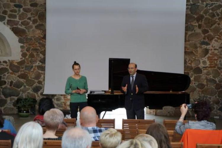 Կոմիտասի 150-ամեակին նուիրուած համերգով մեկնարկեր է Բալթեան երկւրներուն մէջ հայկական մշակութային շաբաթը