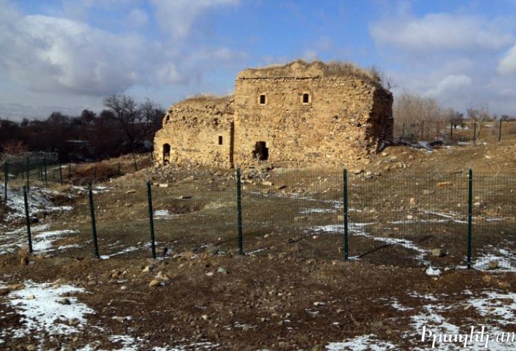 Սուրբ Գէորգ հայկական վանական համալիրը կործանման եզրին է. եկեղեցին գանձագողերու աւերածութիւններու թիրախը դարձեր է