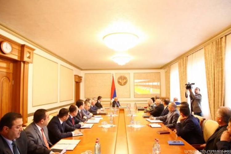 Bako Sahakyan, Artsakh'ta gerçekleştirilecek KONİFA Avrupa futbol şampiyonası çalışmaları hakkında birtakım talimatlar verdi