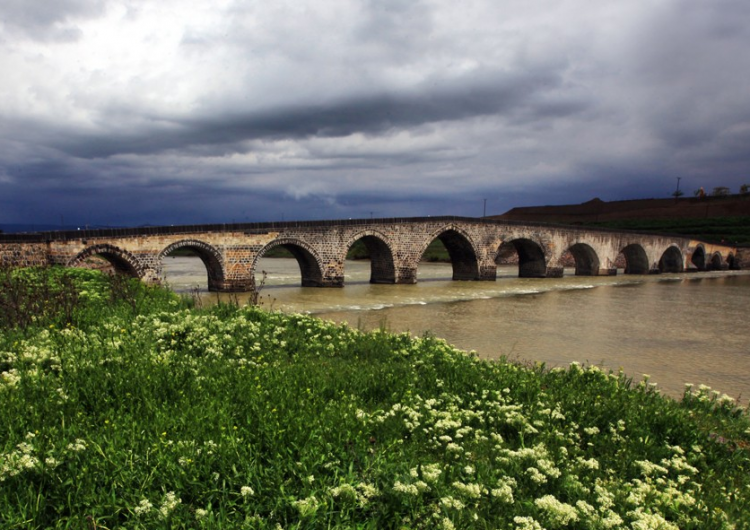 Սուլուխի պատմական կամուրջի շրջակայքը կը բարեկարգուի