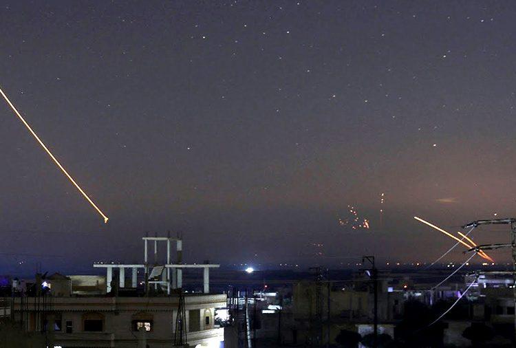 Şam, Golan Tepeleri'nden bombalandı