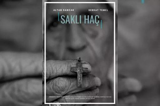"""Türk mahkemesi, """"Gizli Haç"""" adlı film yönetmeninin """"Yeni Akit"""" aleyhine açtığı davayı kabul etmedi"""