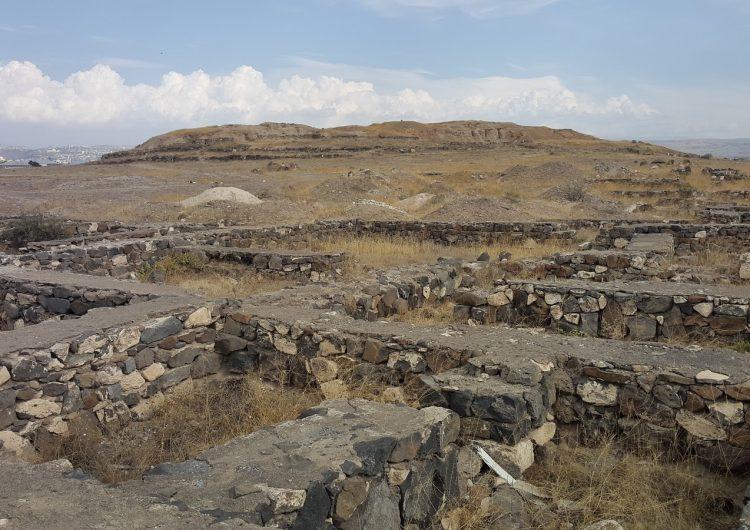 """""""Garmir Blur-Kızıl Tepe"""" adlı tarihi mekan, inşaat atıklarından temizleniyor"""