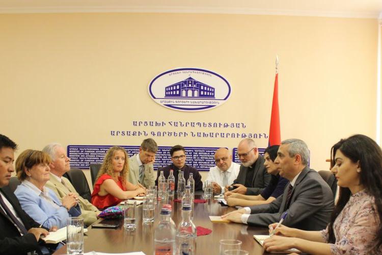 Artsakh Dışişleri Bakanı, Barones Karoline Koks'u makamında kabul etti
