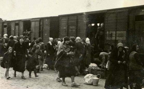В этот день , 70 лет назад, около 2500 семей были депортированы из Армении