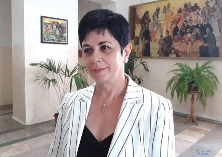 Министр образования, науки и спорта Арцаха приняла студентов университета Айказян
