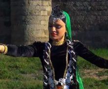 «Ils sont complètement fous»: l'Azerbaïdjan s'est « approprié » la composition musicale «Artsakh»