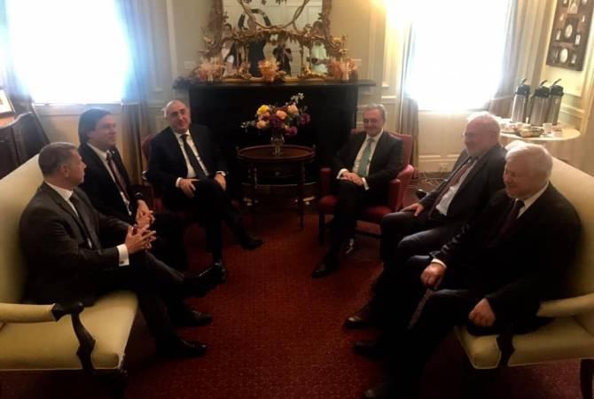 Ermenistan ve Azerbaycan Cumhuriyetlerinin Dışişleri Bakanları Washington'da bir araya geldi