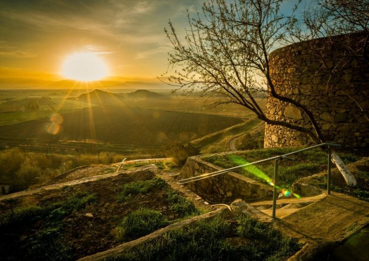 Haykyan Kutsal takvimine göre, bugün Aregnapayl-Güneş ışıltısı bayramıdır