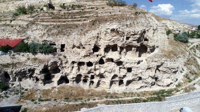 4000 летняя пещера в Себастии Западной Армении напоминает жилой дом