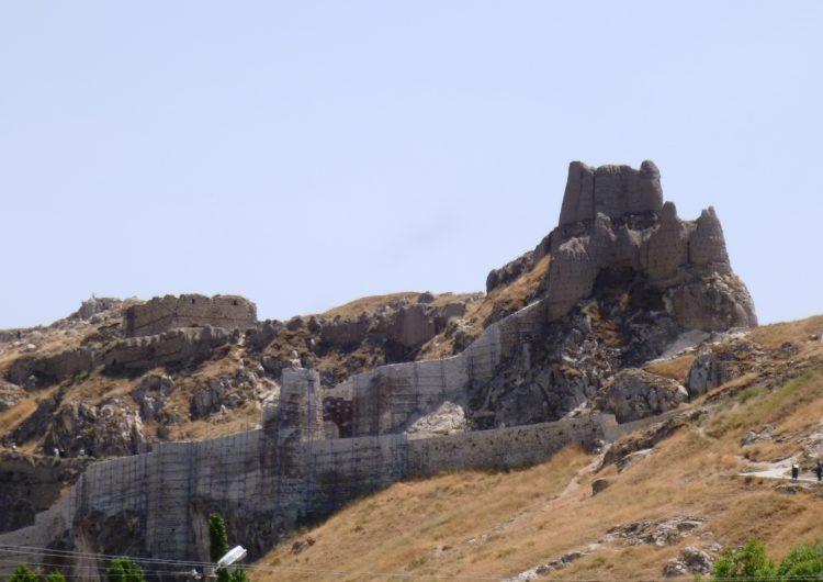Раскопки в цитадели Вана проливают свет на историю города которому 7 тысяч лет