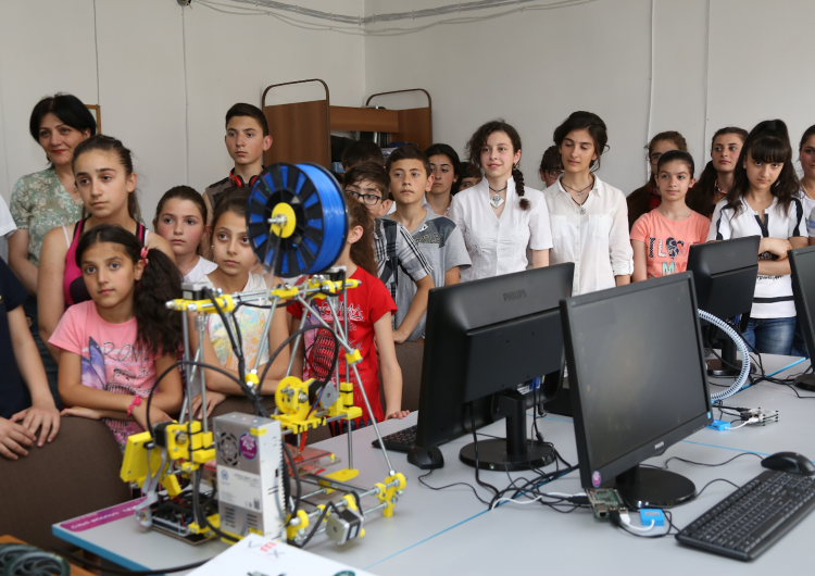 284 robotics laboratories to be established in Armenian schools
