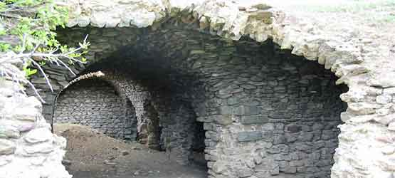 600-летние армянские исторические сооружения Харберда в Западной Армении уничтожаются