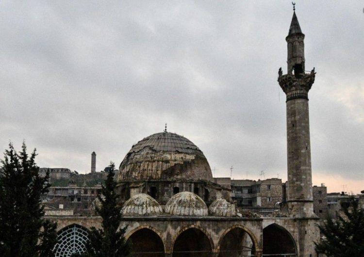 Teröristler Halep'in yerleşim mahallelerini bombaladı