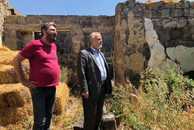 Yetenekli ressam Minas Avetisyan'ın baba evi restore edilecek