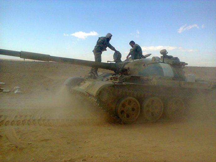 Сирийская армия ведет наступление на позиции боевиков в южной части Идлиба