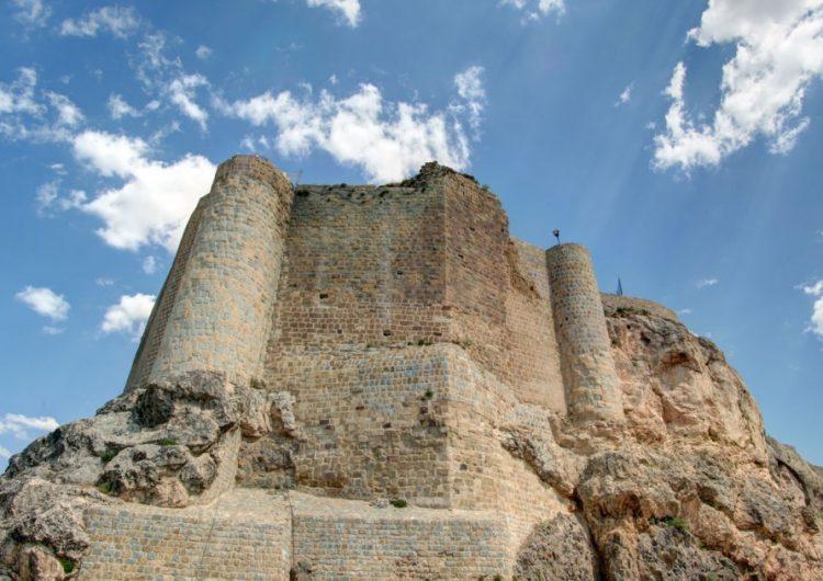 Batı Ermenistan'ın Kharbert-Harput Kalesi'ndeki arkeolojik kazılara başlandı