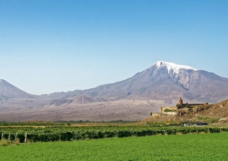 Армения занимает стратегическую позицию на сегодняшней мировой карте: обзор KCW Today