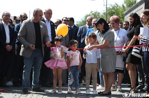 В День города Гюмри открыта новая улица Шираза.Присутствовал премьер Армении